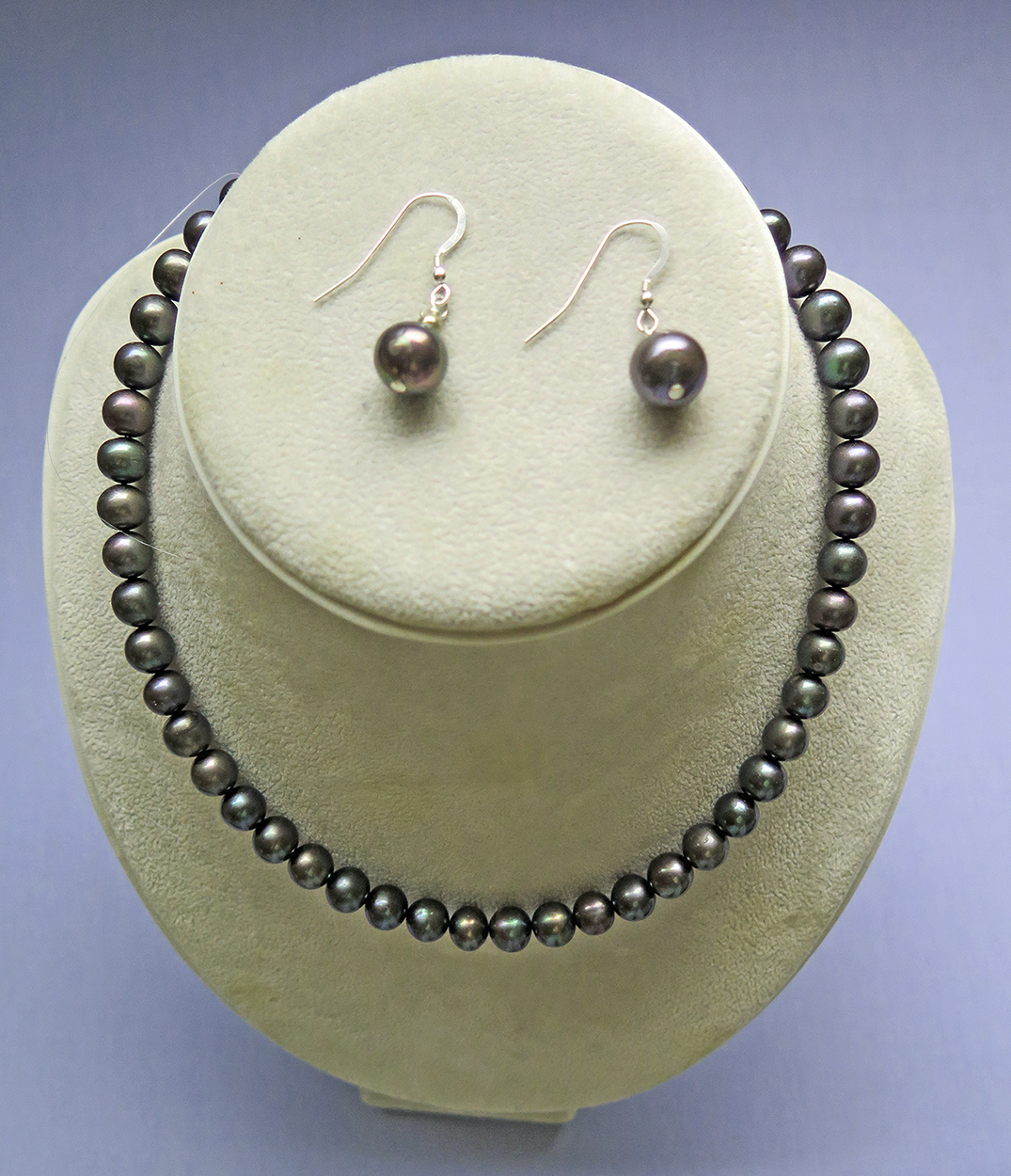 Coloured Cultured Pearl Necklace with Earrings